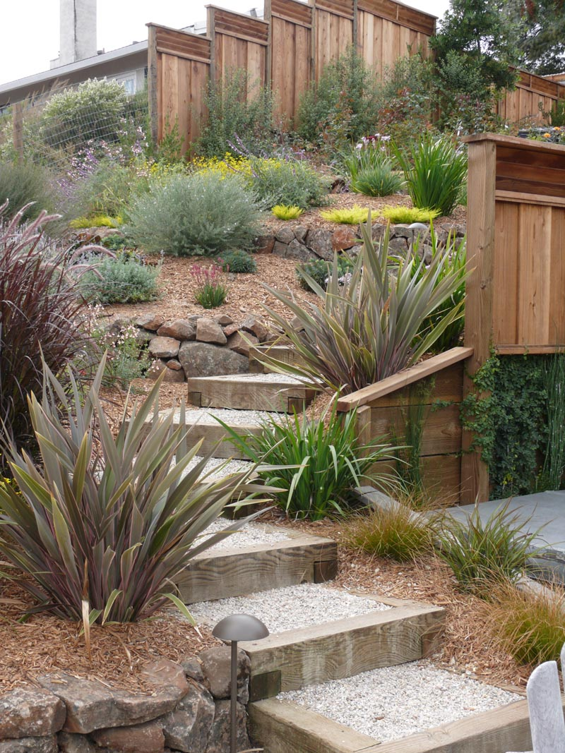 Landscape service monterey ca landscape contractor for Creative garden design 805